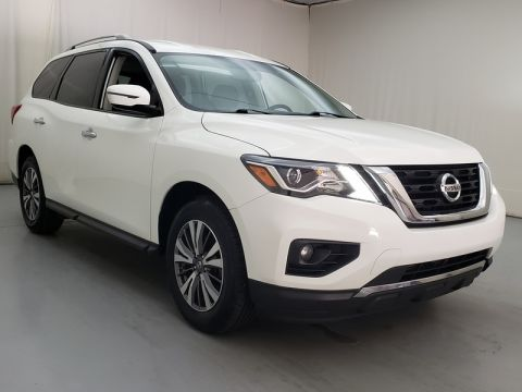 Pre-Owned 2017 Nissan Pathfinder SV FWD